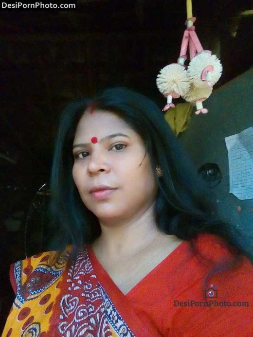 Bangala Milf Anty ki Boobs, Chut aur Bra panty Images