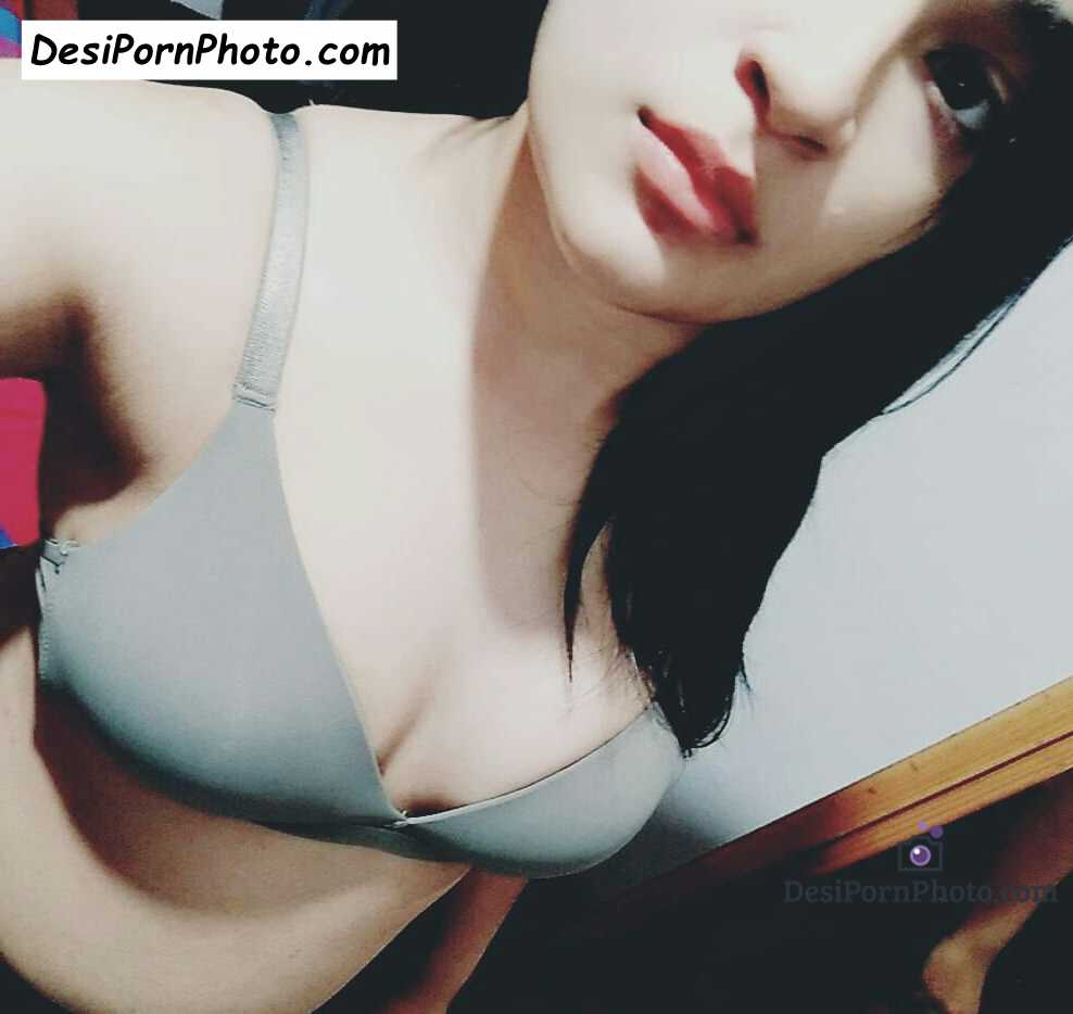 Nude Sex Pics gray bra