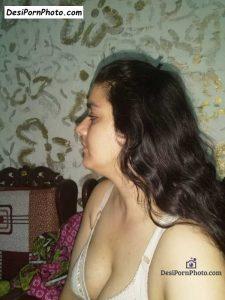 Sexy bhabhi clevage ki photos